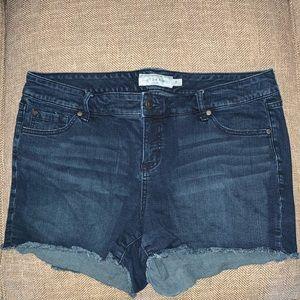 EUC Torrid Jean Shorts Size 18.